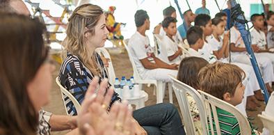 a7ac9840b9 Primeira-dama visita Circo Escola do Conjunto Palmeiras - Governo do ...