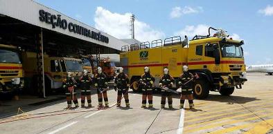 RRExercício simula salvamento de 25 pessoas a bordo de aeronave em chamas - 28.11.16 4