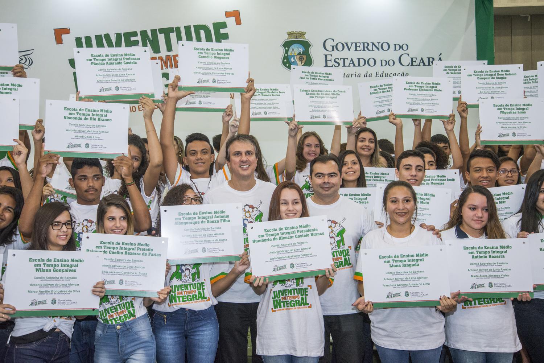 Centro de Eventos - Governador com alunos da rede pública - ensino em tempo integral