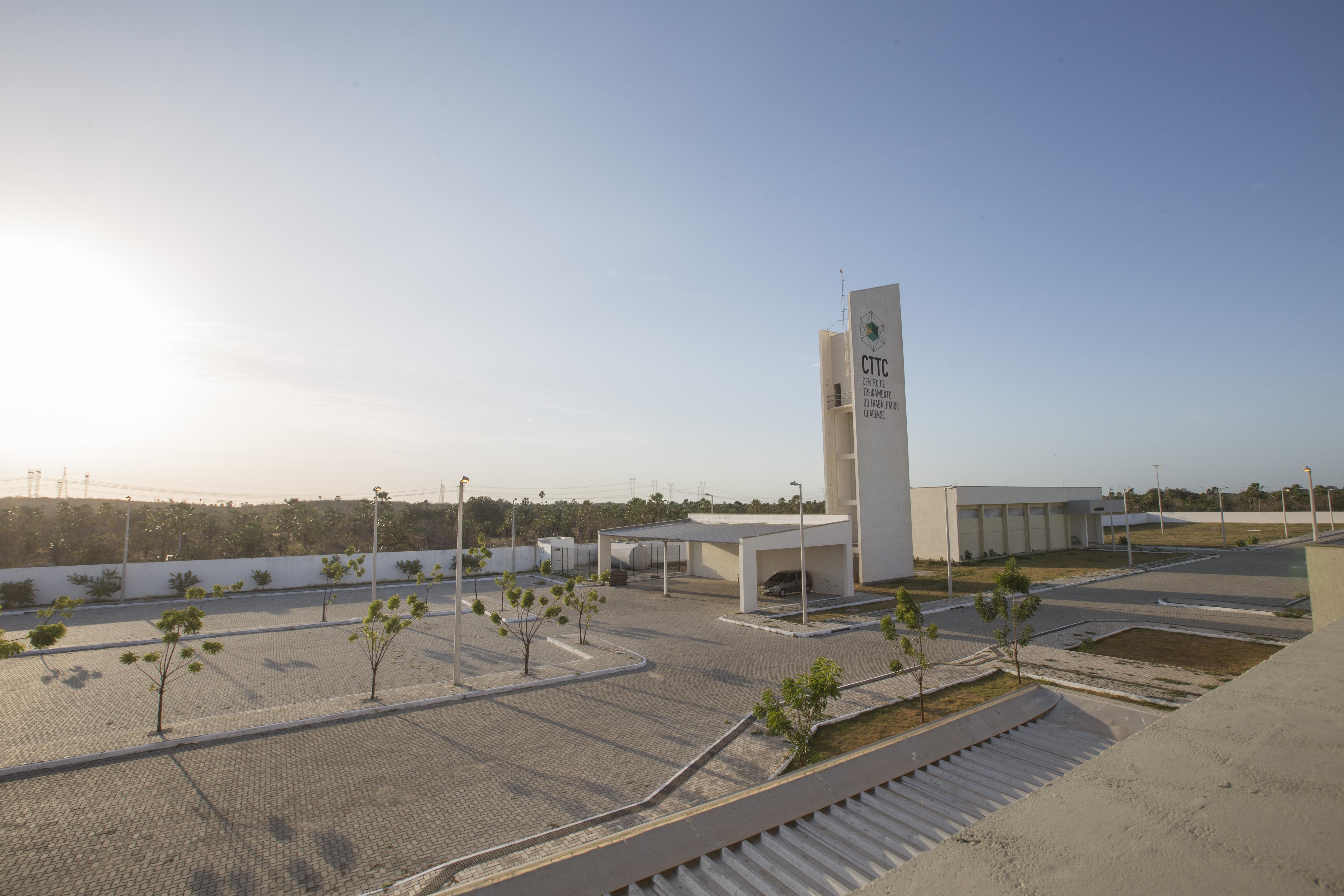 O Centro de Treinamento do Trabalhador Cearense (CTTC) Lauro de Oliveira Lima, em Caucaia, é importante equipamento de promoção da qualificação profissional para o Complexo Industrial e Portuário do Pecém. Foto: Tiago Stille