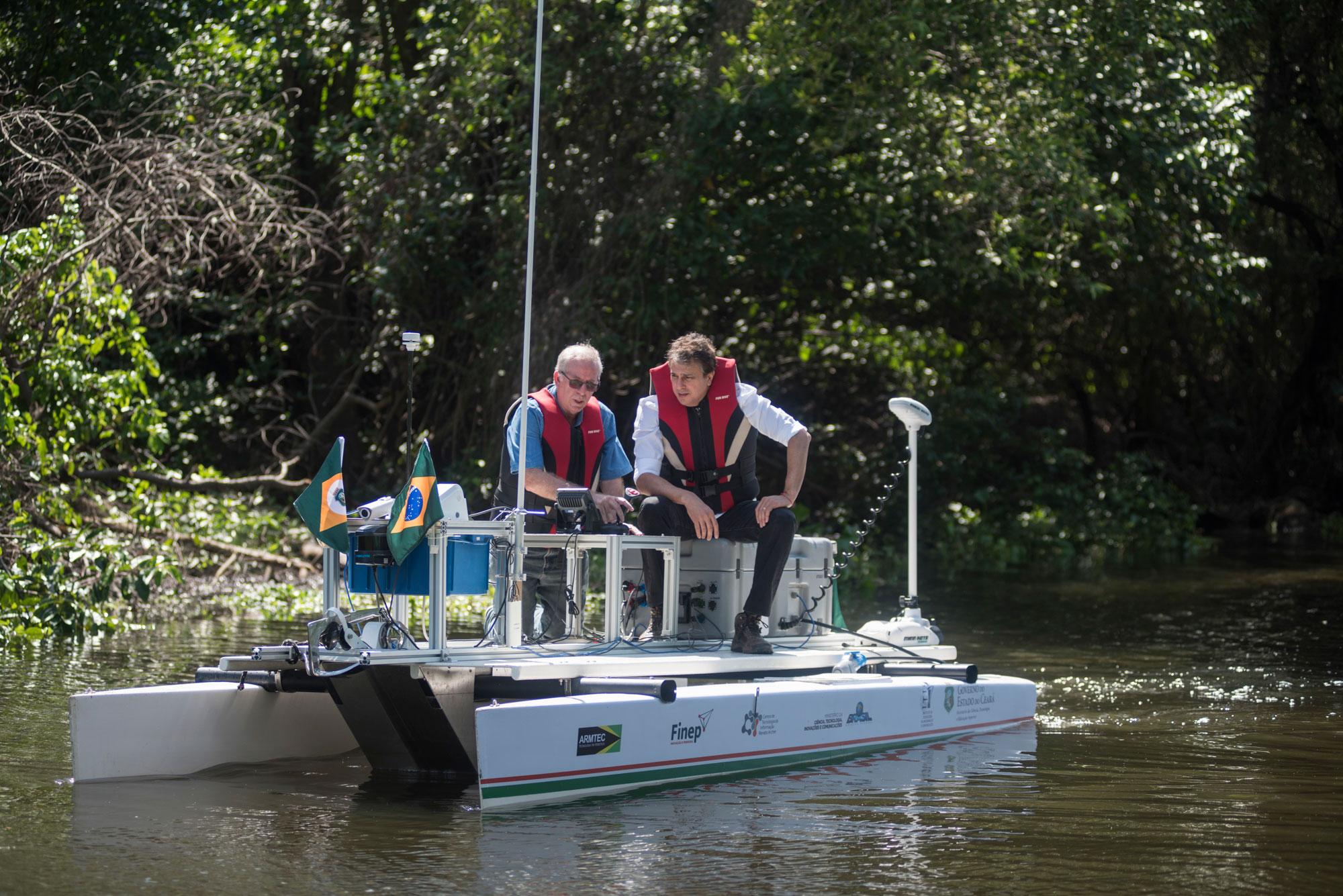 Barco robótico vai ajudar a monitorar o meio ambiente