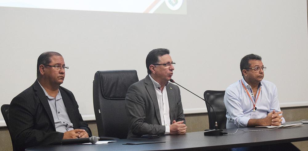 O evento, realizado no auditório da Arena Castelão, reuniu gestores e técnicos com atuação em obras públicas do Estado