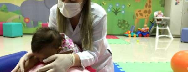 Atenção permanente nos 19 núcleos de estimulação precoce e atendimento domiciliar do Hospital Infantil Albert Sabin estão entre os serviços voltados para crianças e adolescentes.