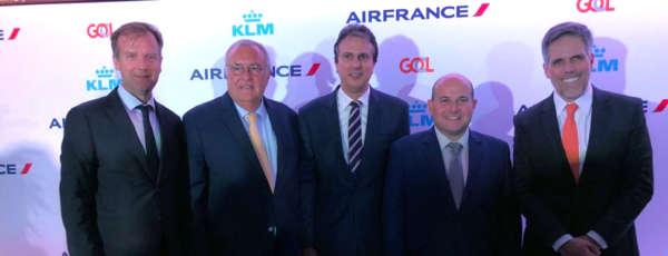 O governador Camilo Santana participou na noite desta quarta-feira (4), na residência do Cônsul Geral da França no Brasil, Brieuc Pont, em São Paulo, do evento que marcou o lançamento oficial do HUB da Air France Air France/KLM/Gol em Fortaleza.
