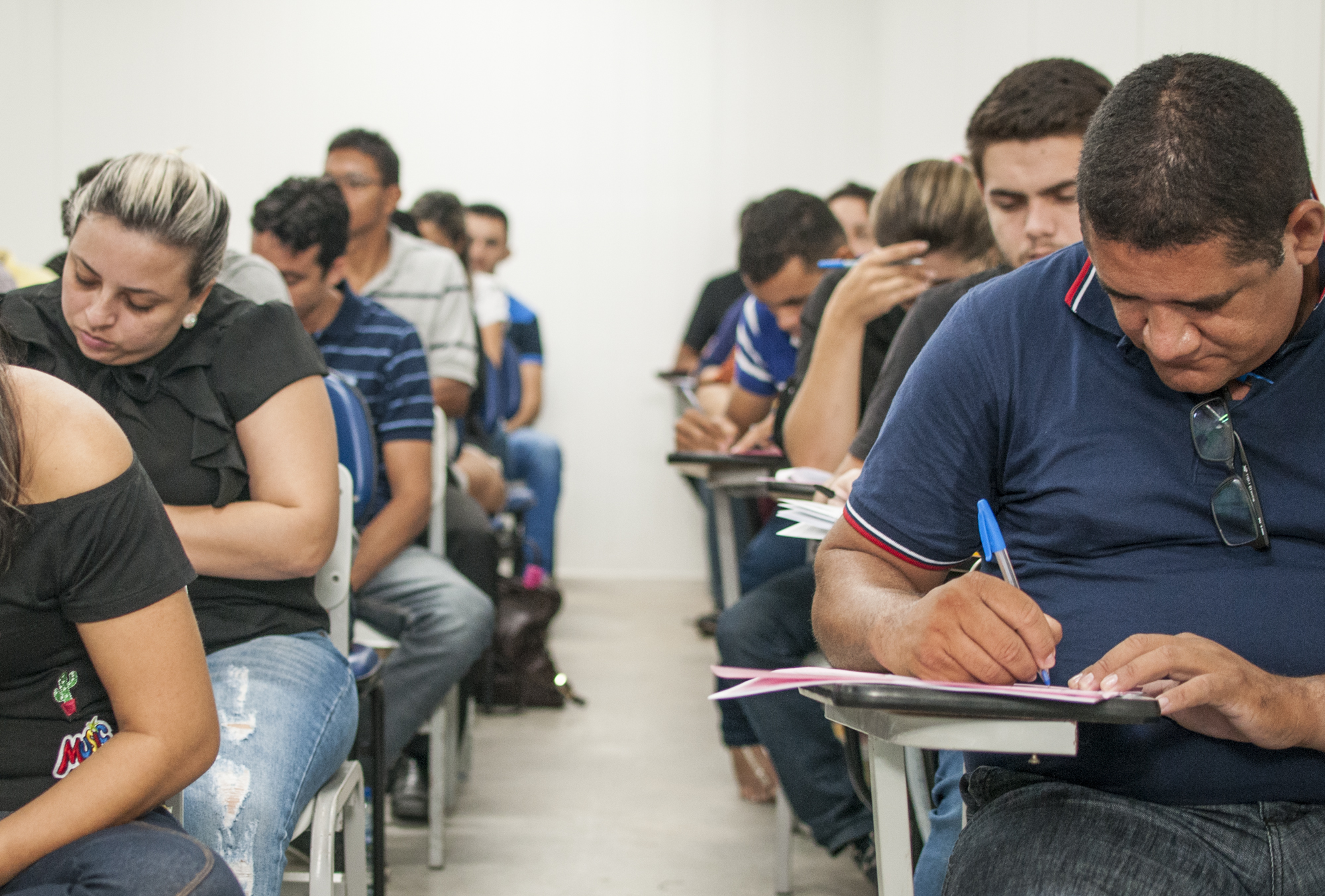 Com o objetivo de incentivar a preparação na reta final do Exame Nacional do Ensino Médio (Enem) e mobilizar a participação dos estudantes nos dois dias de prova, o Governo do Ceará, por meio da Secretaria da Educação (Seduc), lança, nesta terça-feira (31), às 8h30, a estratégia #Enemvou2dias.
