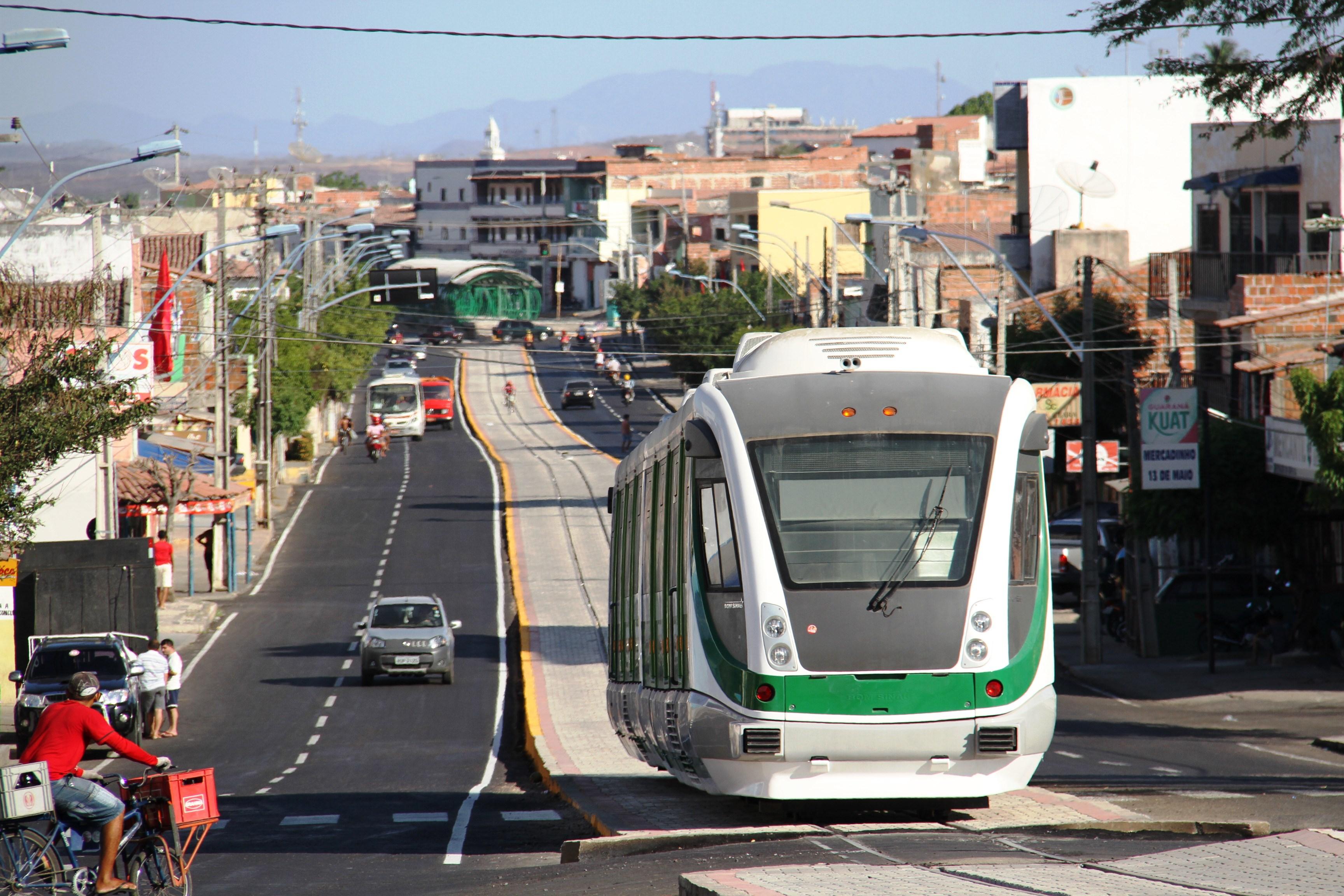 O fluxo de passageiros no VLT de Sobral aumentou quase 300% a partir do último dia 19 de setembro, quando a tarifa para acesso aos trens foi reduzida para R$ 1.
