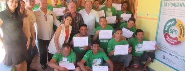 O tratamento por conta do uso de drogas ganhou uma motivação especial para 20 acolhidos na Comunidade Terapêutica (CT) O Caminho, localizada em Aquiraz, na Região Metropolitana de Fortaleza (RMF).