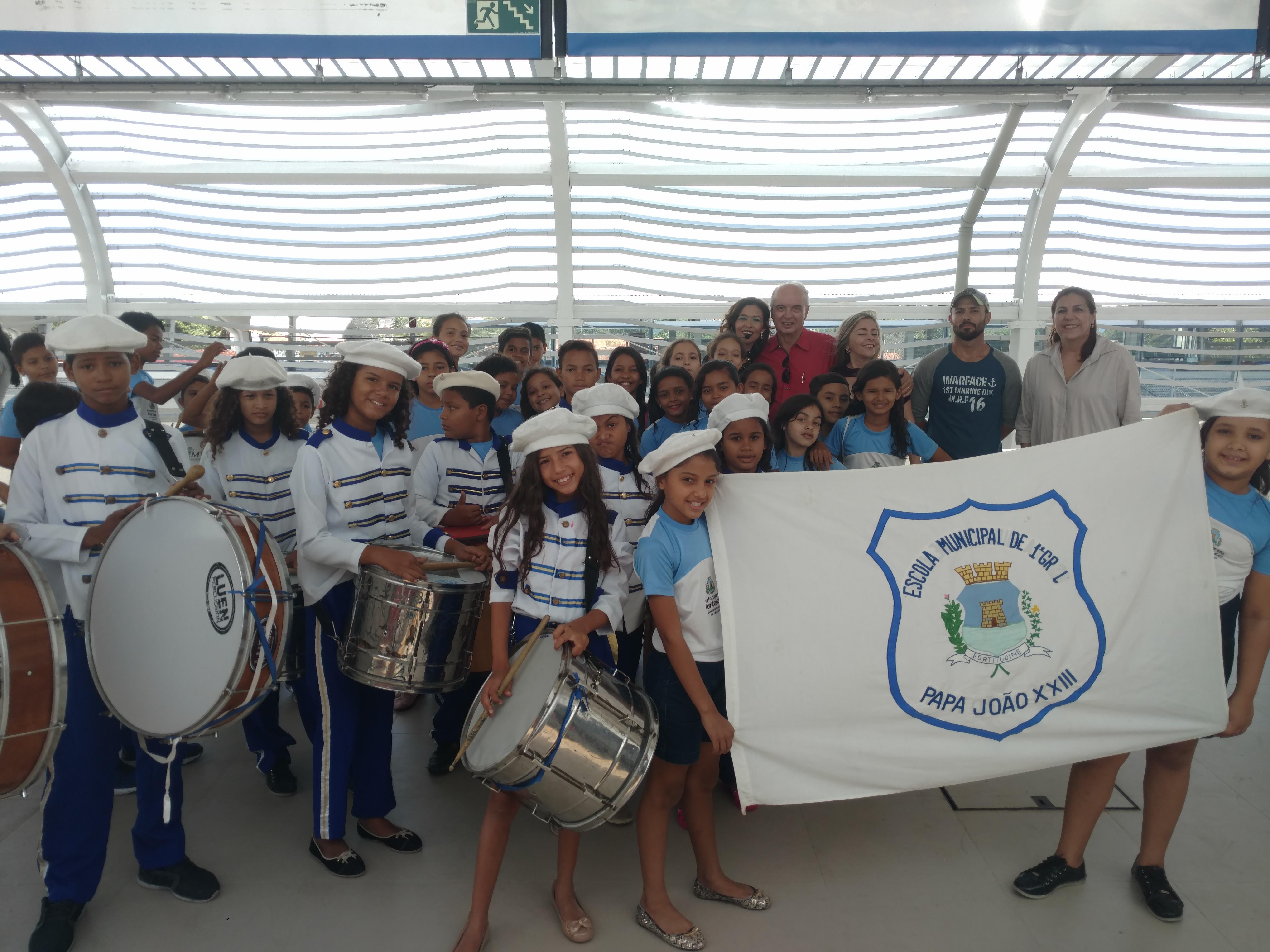 O Metrofor recebeu nesta quarta-feira (4) alunos da escola municipal de Ensino Fundamental e Médio Papa João Paulo XXIII para uma visita ao Ramal Parangaba-Mucuripe.