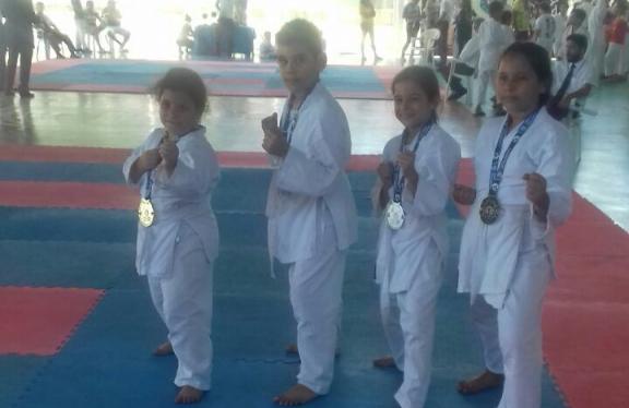 Seis crianças foram classificadas para a final do Campeonato Cearense de Karate