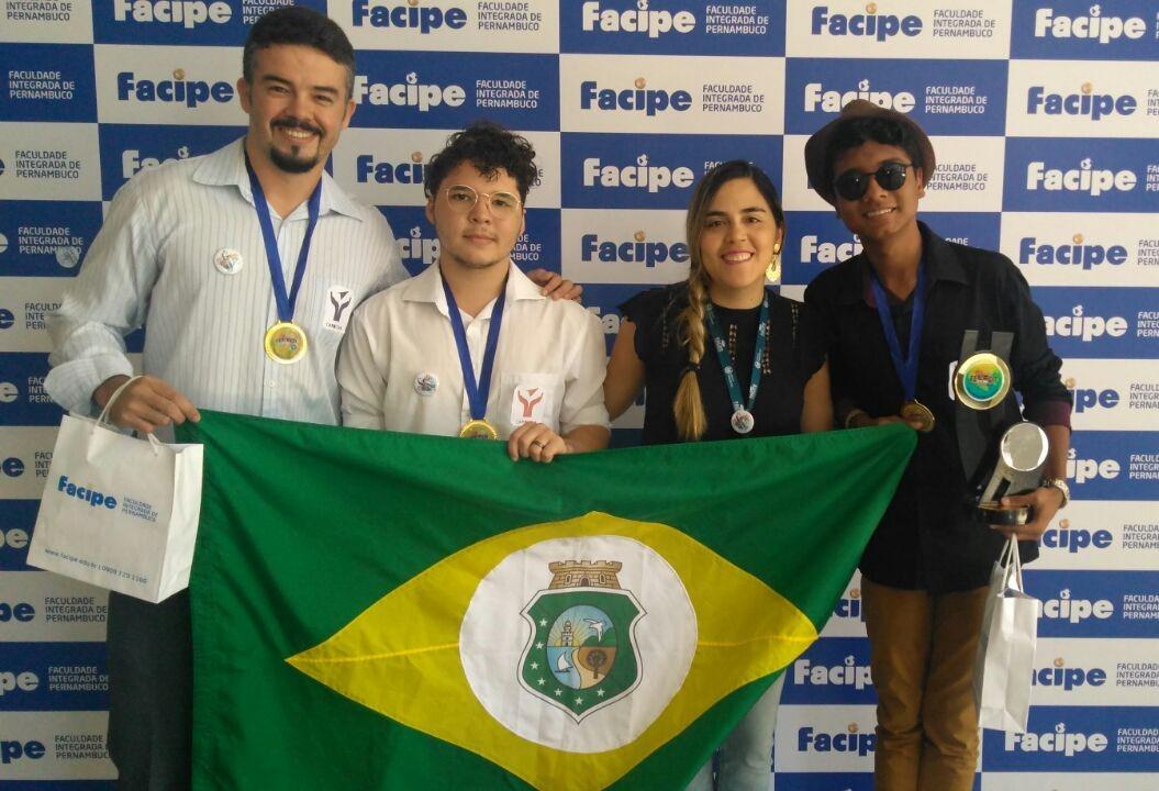 O projeto Carolina de Jesus, da Escola Estadual de Educação Profissional (EEEP) Maria Violeta Arraes de Alencar Gervaiseau, localizada em Crato, ganhou mais uma premiação.
