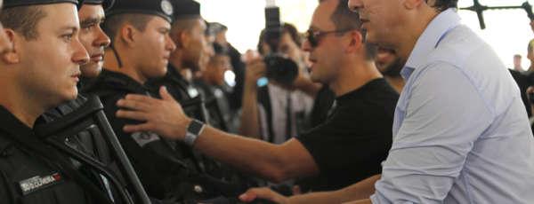 """São 37 homens que passaram por um treinamento especial, a chamada """"Doutrina Raio"""", para atuar no combate ao crime"""