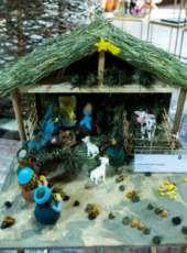 Presépios artesanais estão expostos na loja Ceart