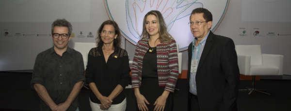 Izolda Cela e Onélia Santana participam do VII Simpósio Internacional de Desenvolvimento da Primeira Infância