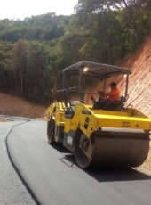 Pavimentação do trecho Redenção – Pacoti atinge 72% de execução