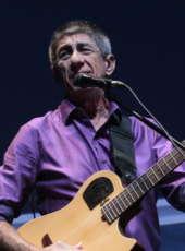 Fagner participa de show beneficente no projeto São Luiz Solidário