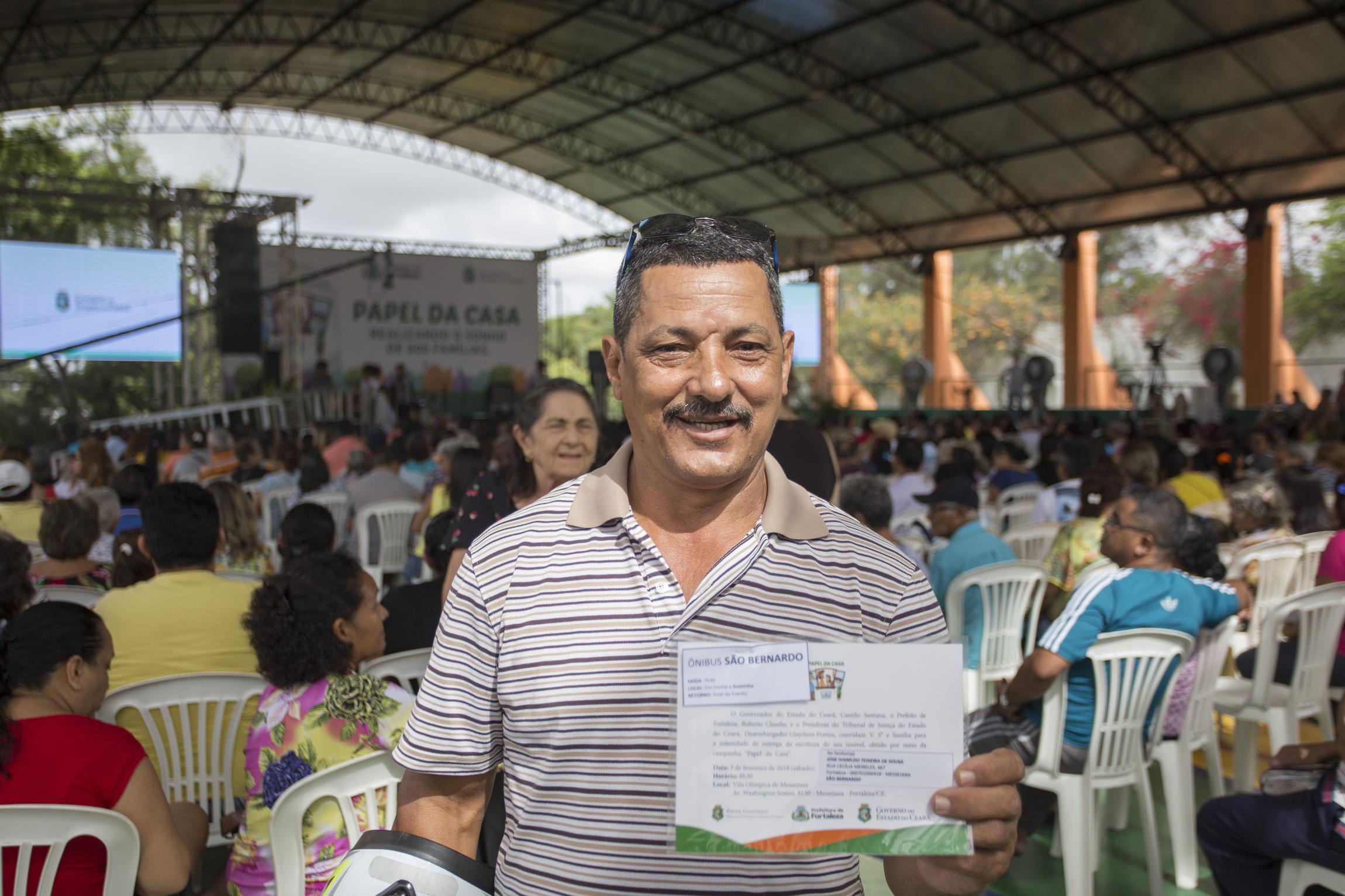 Blog do tidi papel da casa governo do cear entrega 609 escrituras para fam lias dos conjuntos for Casa governo it 2018