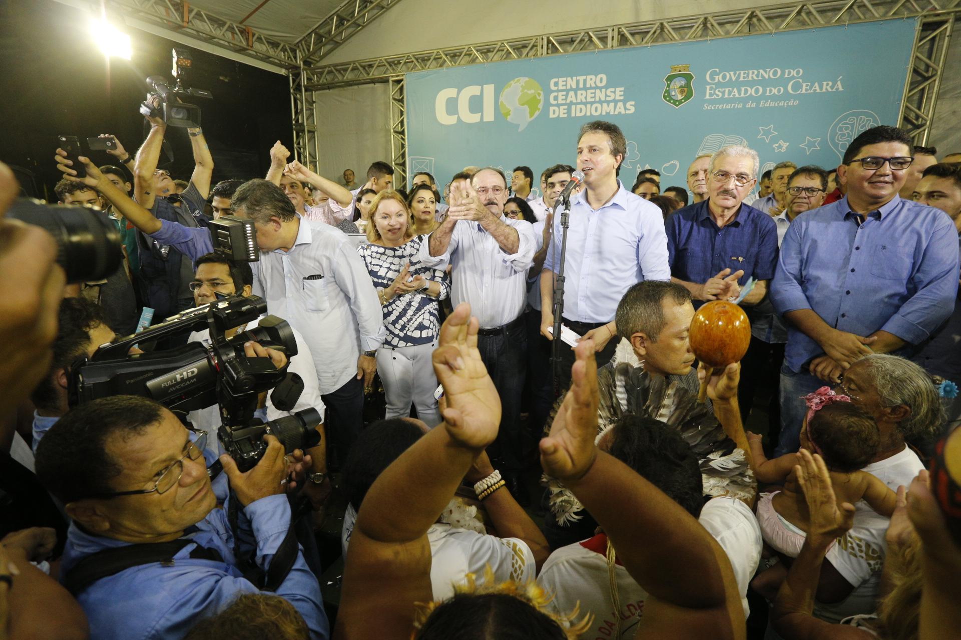 Crates recebe o primeiro Centro Cearense de Idiomas do Governo do