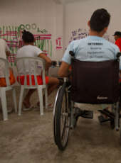 Paratleta faz palestra motivacional para cadeirantes da unidade Irmã Imelda