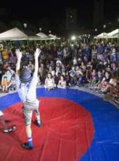 Vale do Jaguaribe: Arte na Praça especial leva diversão e prestação de serviços para moradores de Iracema