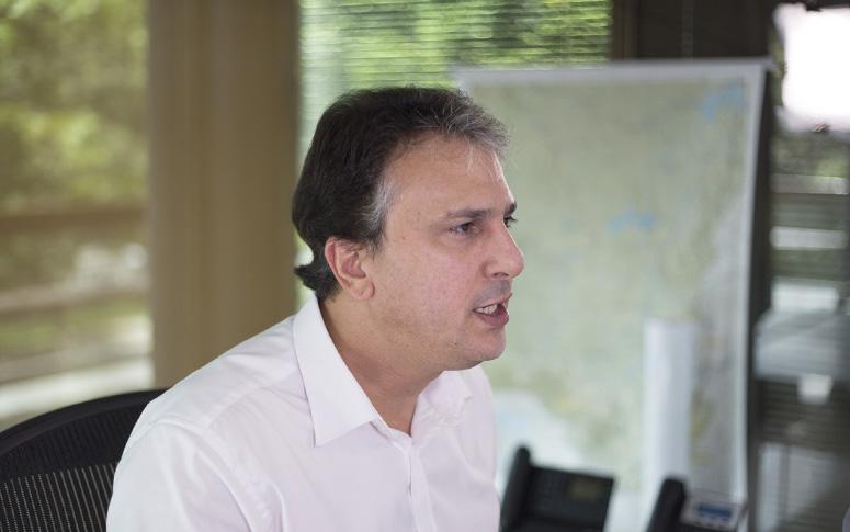 Ceará é único estado do NE a reduzir extrema pobreza, destaca Camilo Santana