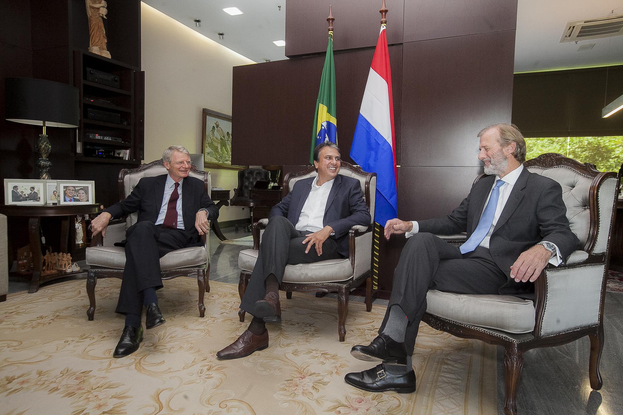 Hub portuário: Governo do Ceará e Autoridade Portuária de Roterdã assinam acordo de investimento para participação no CIPP S/A