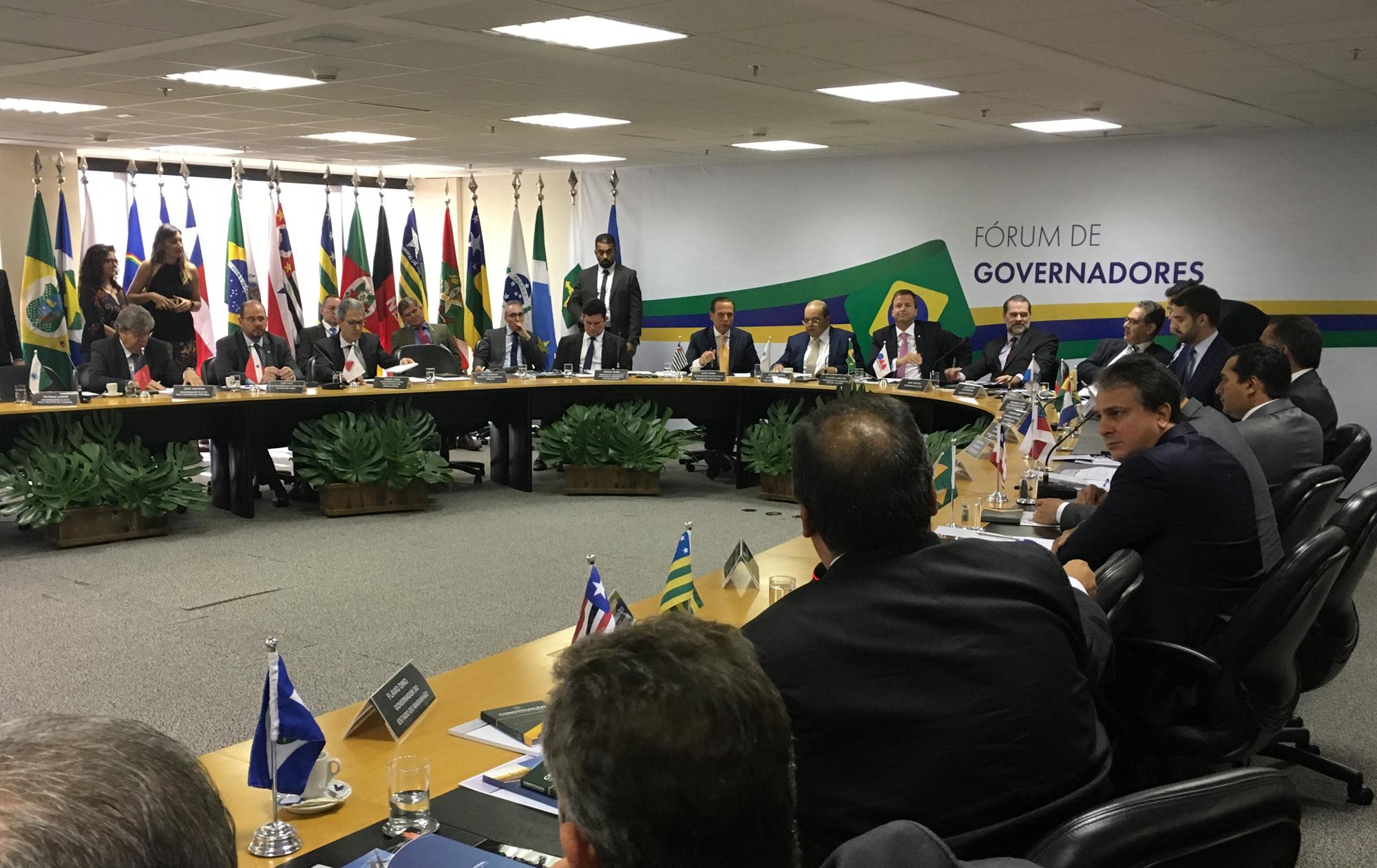Em Fórum de Governadores, Camilo defende integração entre União e estados