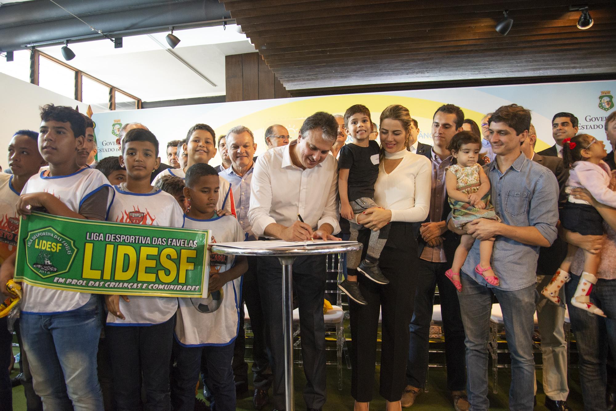 Sancionada a lei que transforma Programa Mais Infância Ceará em política de estado