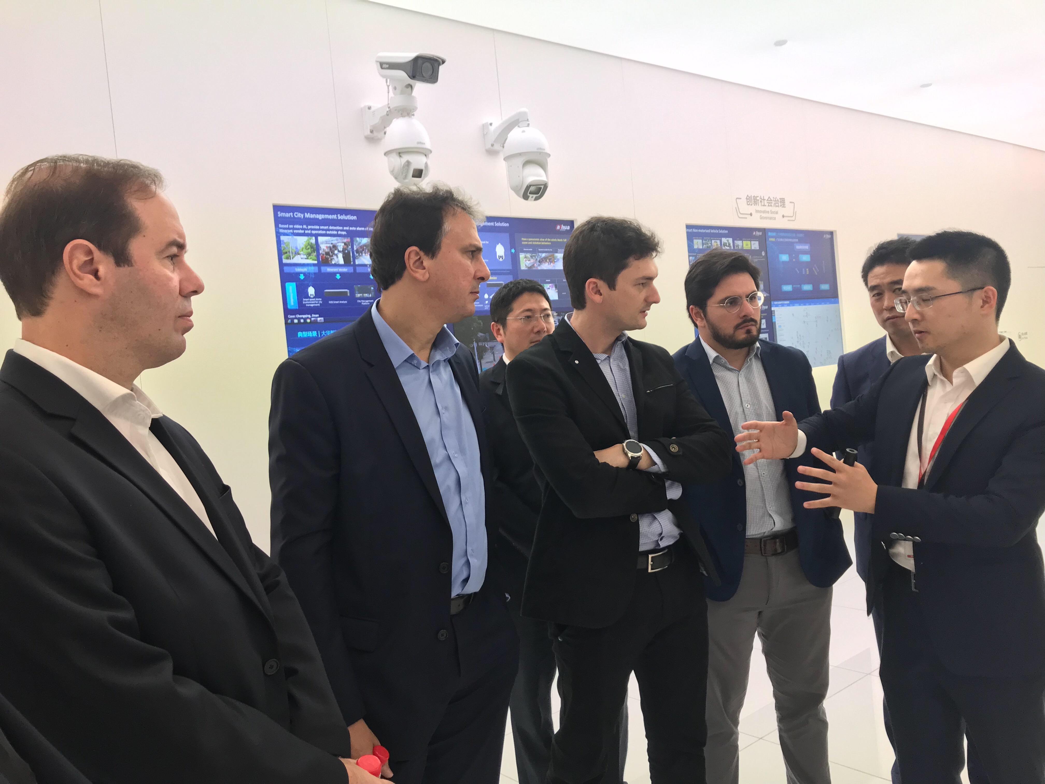 China: Governo do Ceará firmará parceria com gigante da tecnologia em Segurança