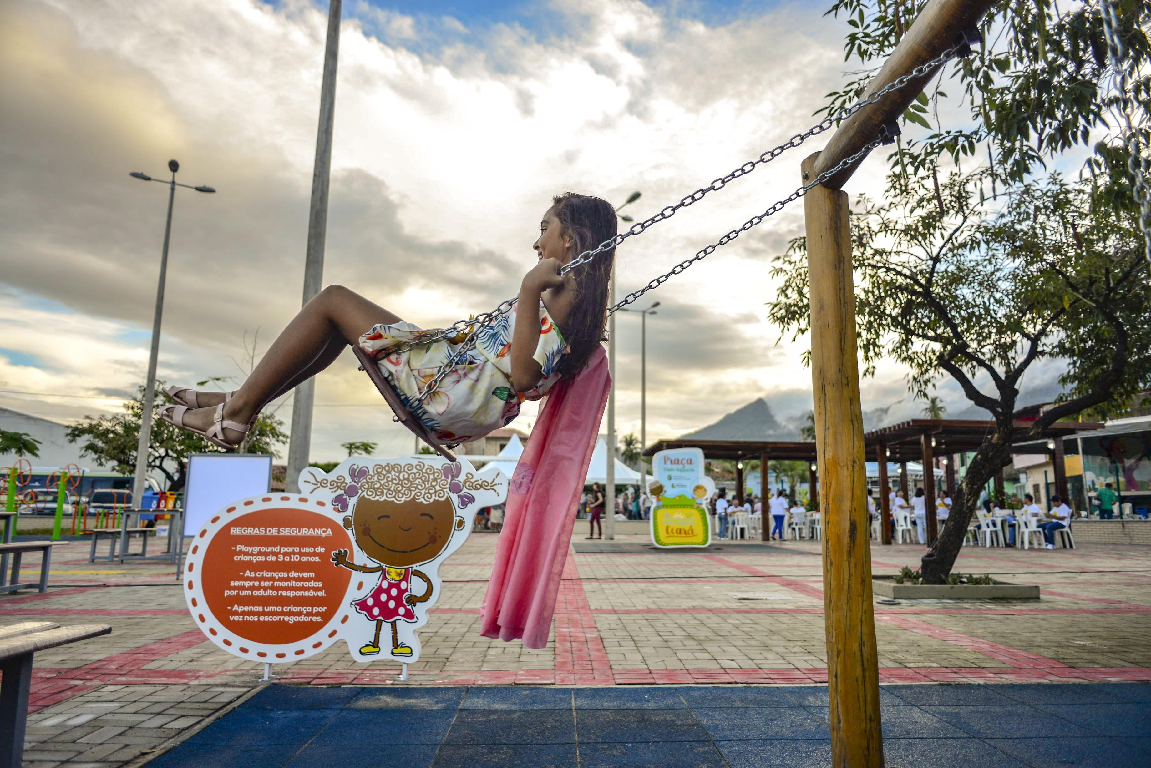 Famílias de Maranguape são beneficiadas com Praça Mais Infância