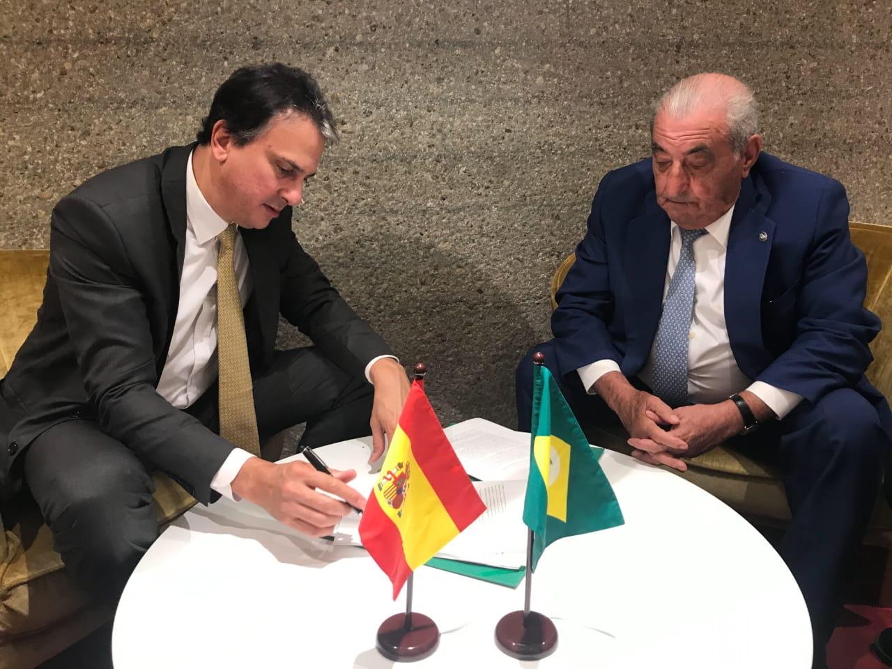 Espanha: Governo do Ceará assina acordo para voos diretos entre Fortaleza e Madri