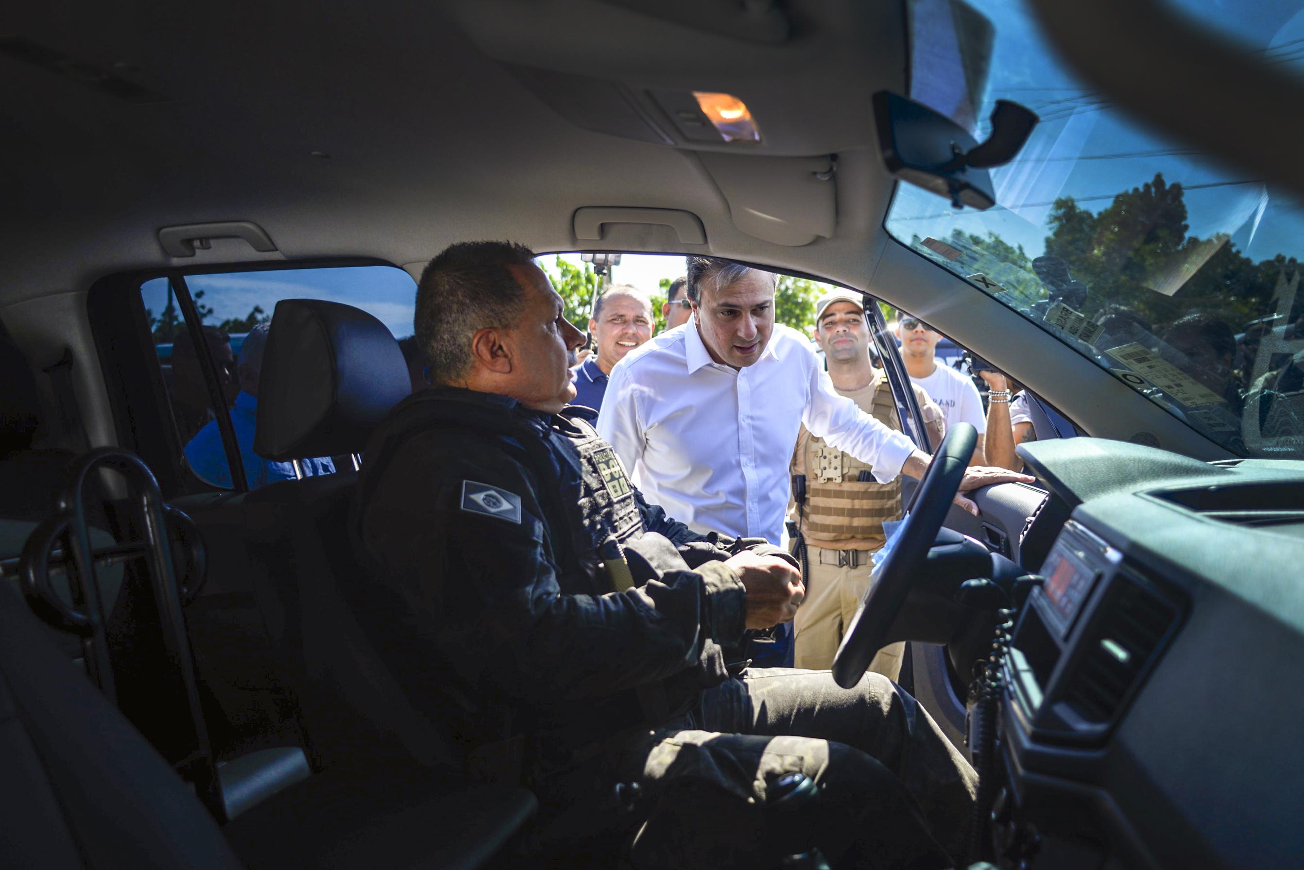 Governo do Ceará entrega 85 novas viaturas para a Secretaria da Administração Penitenciária
