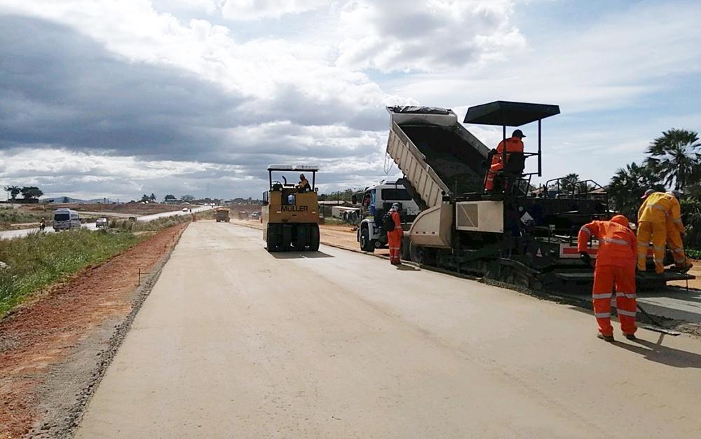 Instalação do viaduto da CE-060 sobre Anel Viário