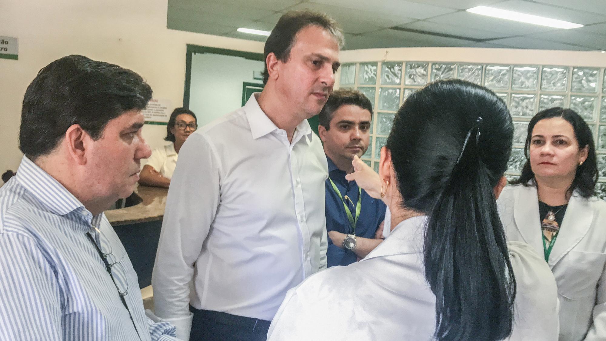 Camilo Santana faz visita ao HGF