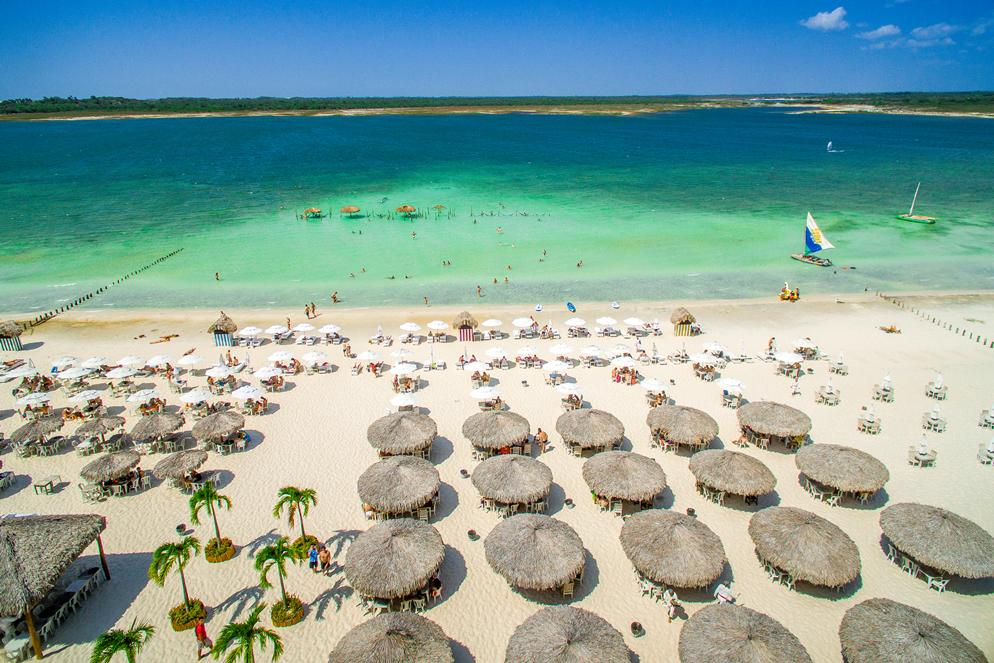 Governador sanciona lei que cria novos distritos turísticos no Ceará