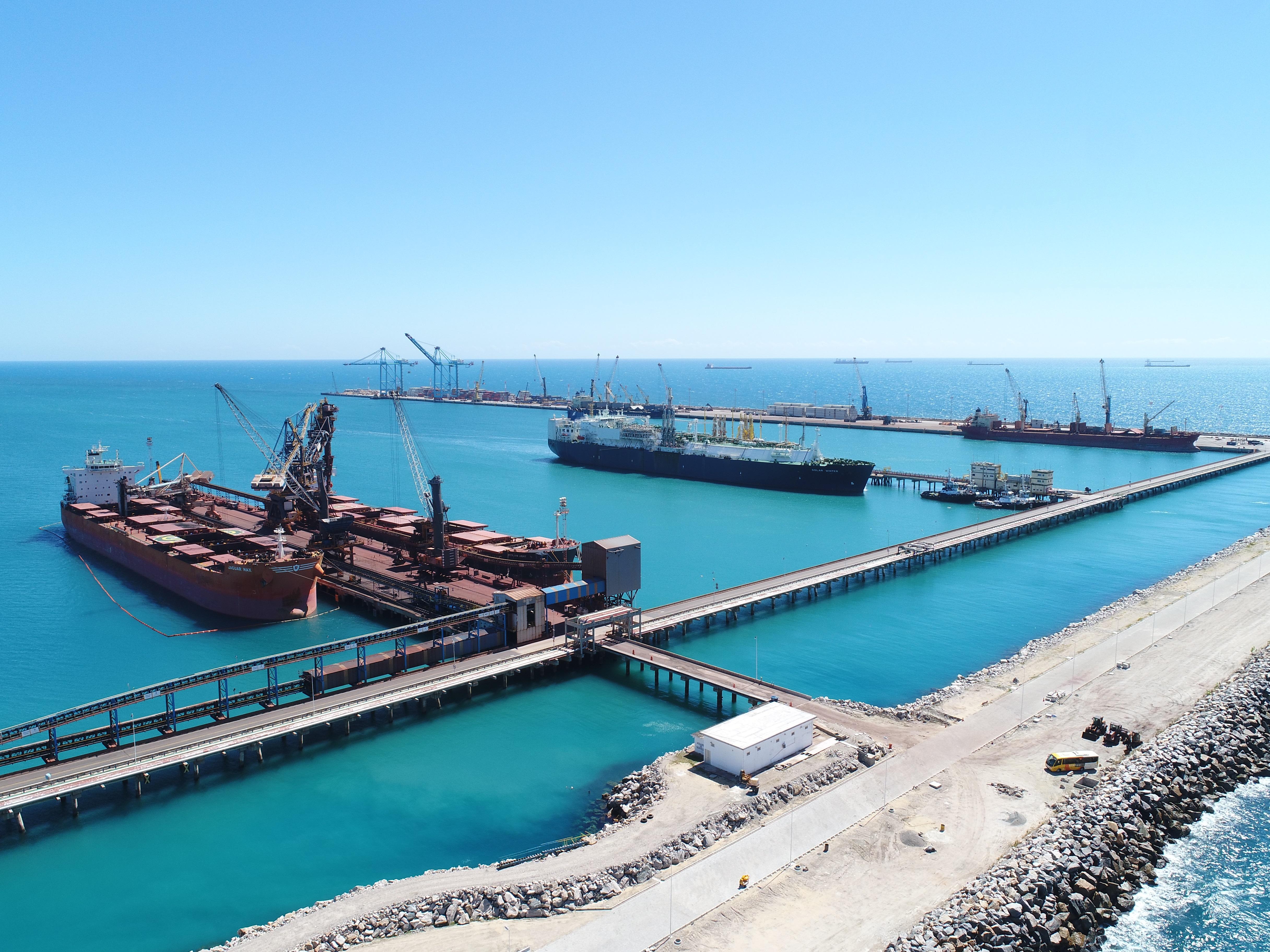 Porto do Pecém bate recorde em movimentação de cargas