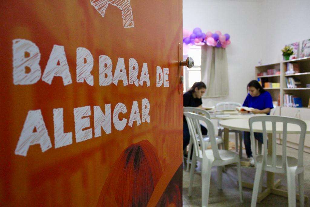 Bienal Fora da Bienal leva poesia para Centro Socioeducativo