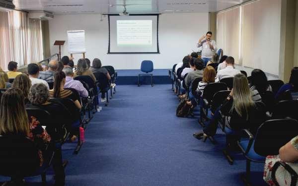 CGE realiza curso básico de Ouvidoria para servidores da Seduc