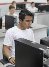 Maior rede pública do Brasil, Cinturão Digital gera empregos e conecta serviços para mais de 90% da população urbana cearense