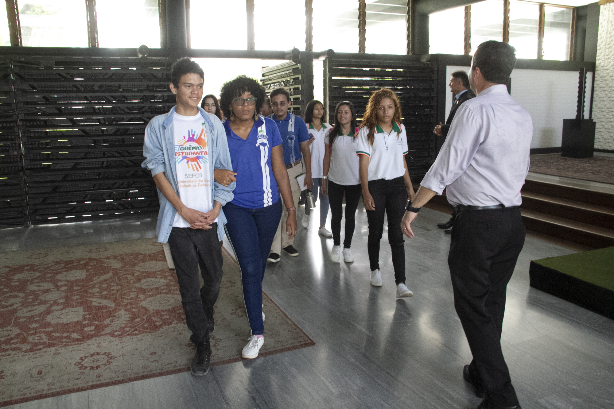 Estudantes da EEMTI Marcelino Champagnat em visita ao Palácio da Abolição