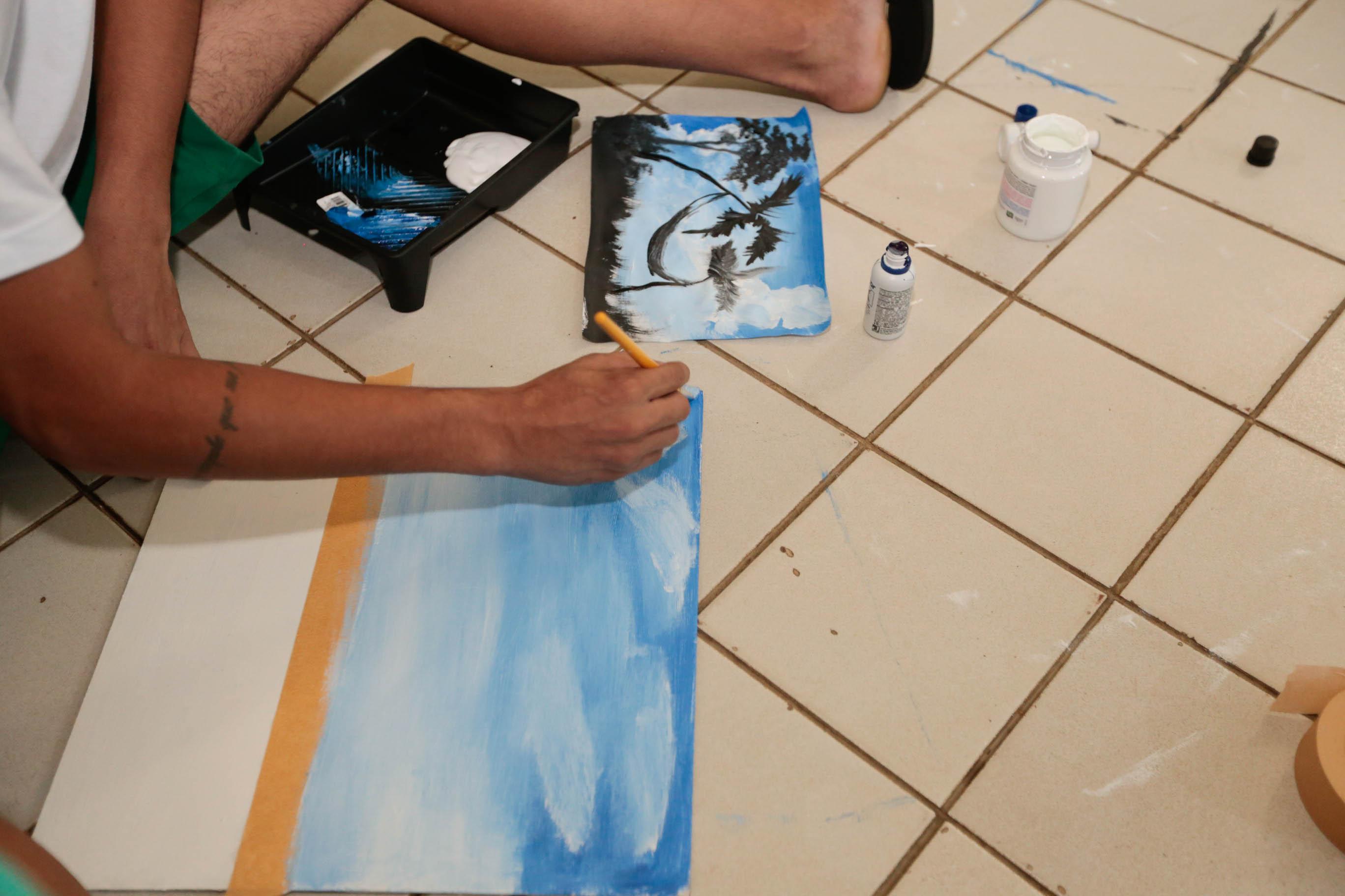 Adolescentes do Sistema Socioeducativo realizam atividades artísticas