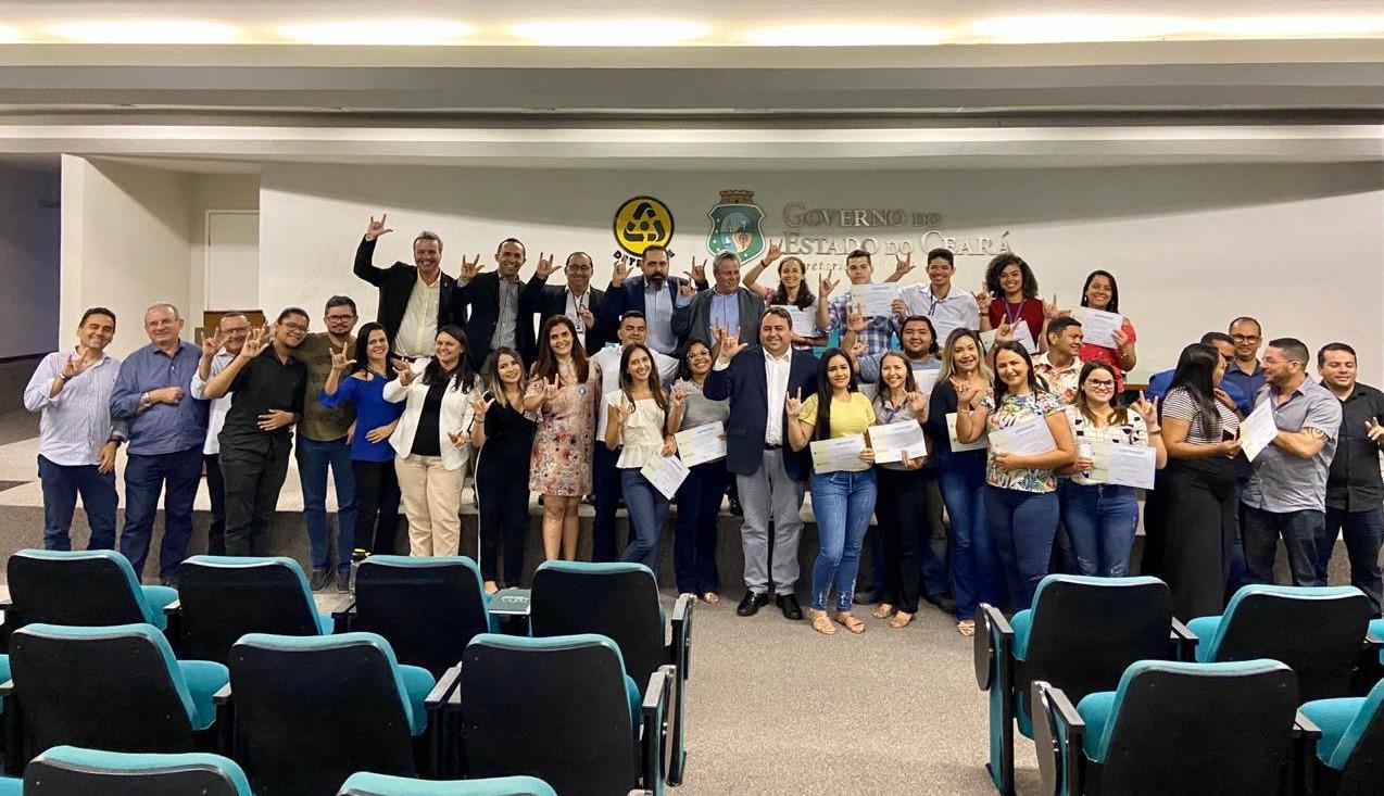 Servidores do Detran-CE recebem certificação em Libras