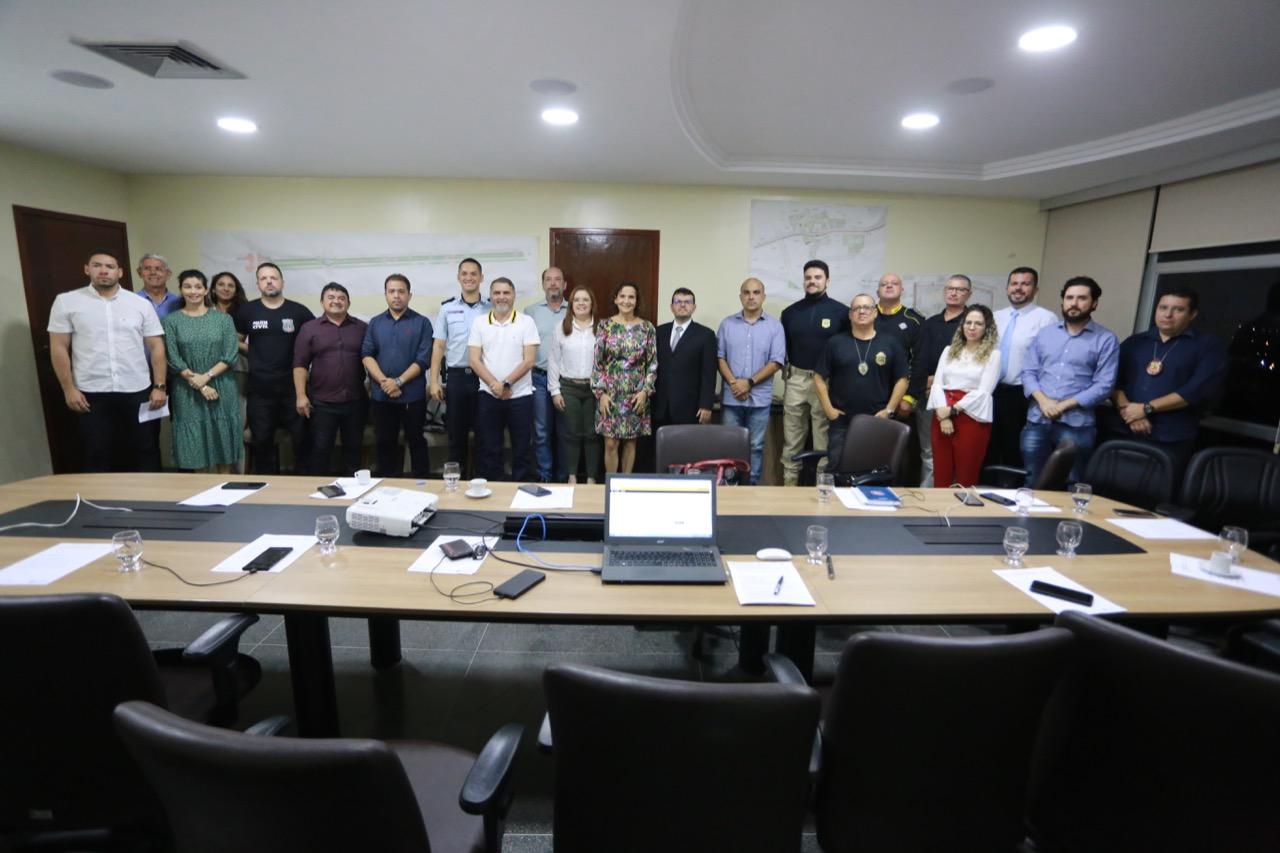 Reunião em Sobral sobre estratégias para aproximar população da Polícia Militar