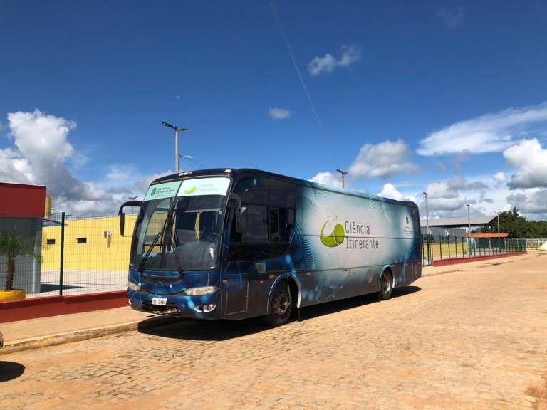 ônibus do ciência itinerante