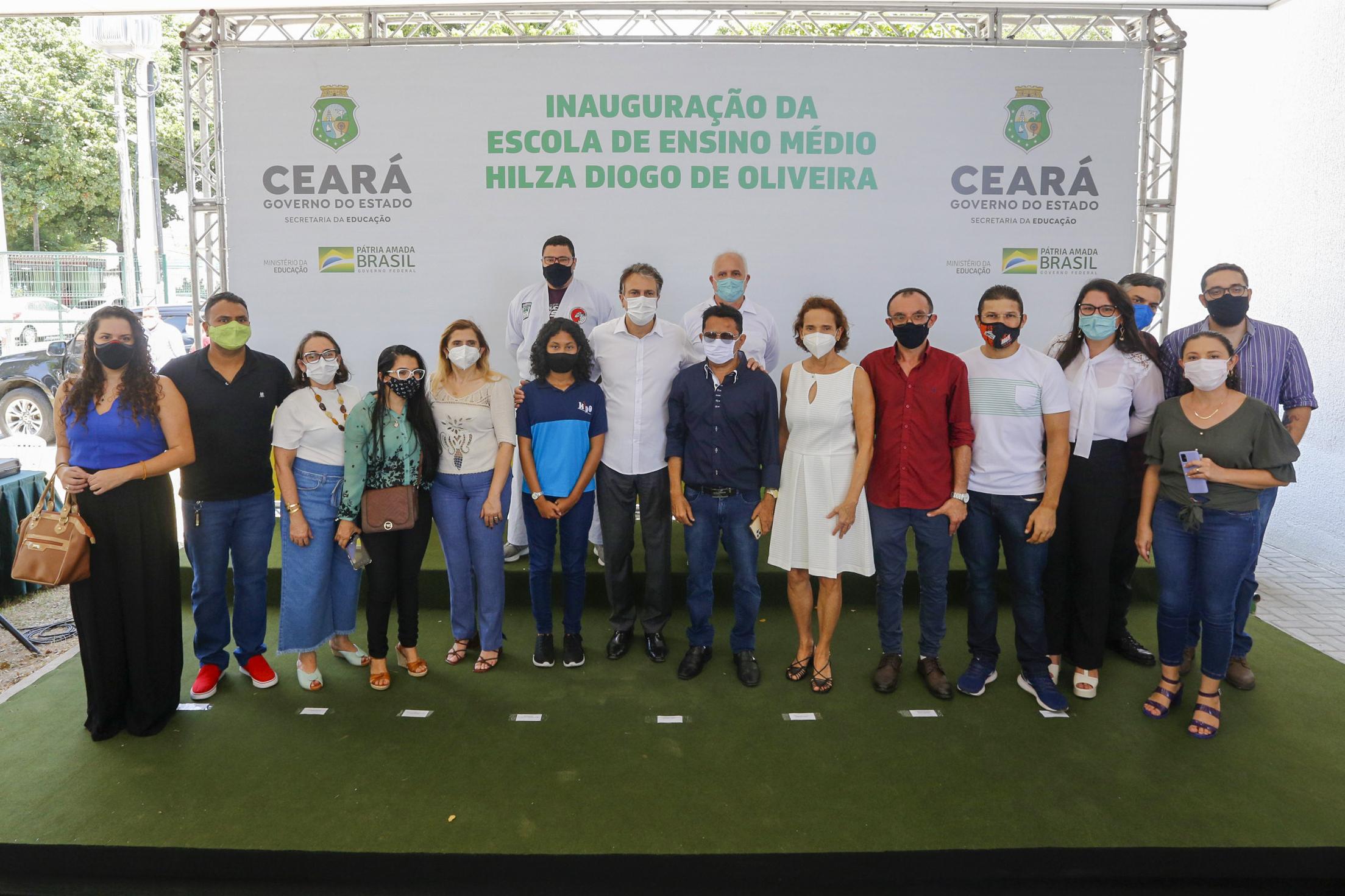 Governo do Ceará entrega nova escola de Ensino Médio para beneficiar juventude do Vila Velha, em Fortaleza