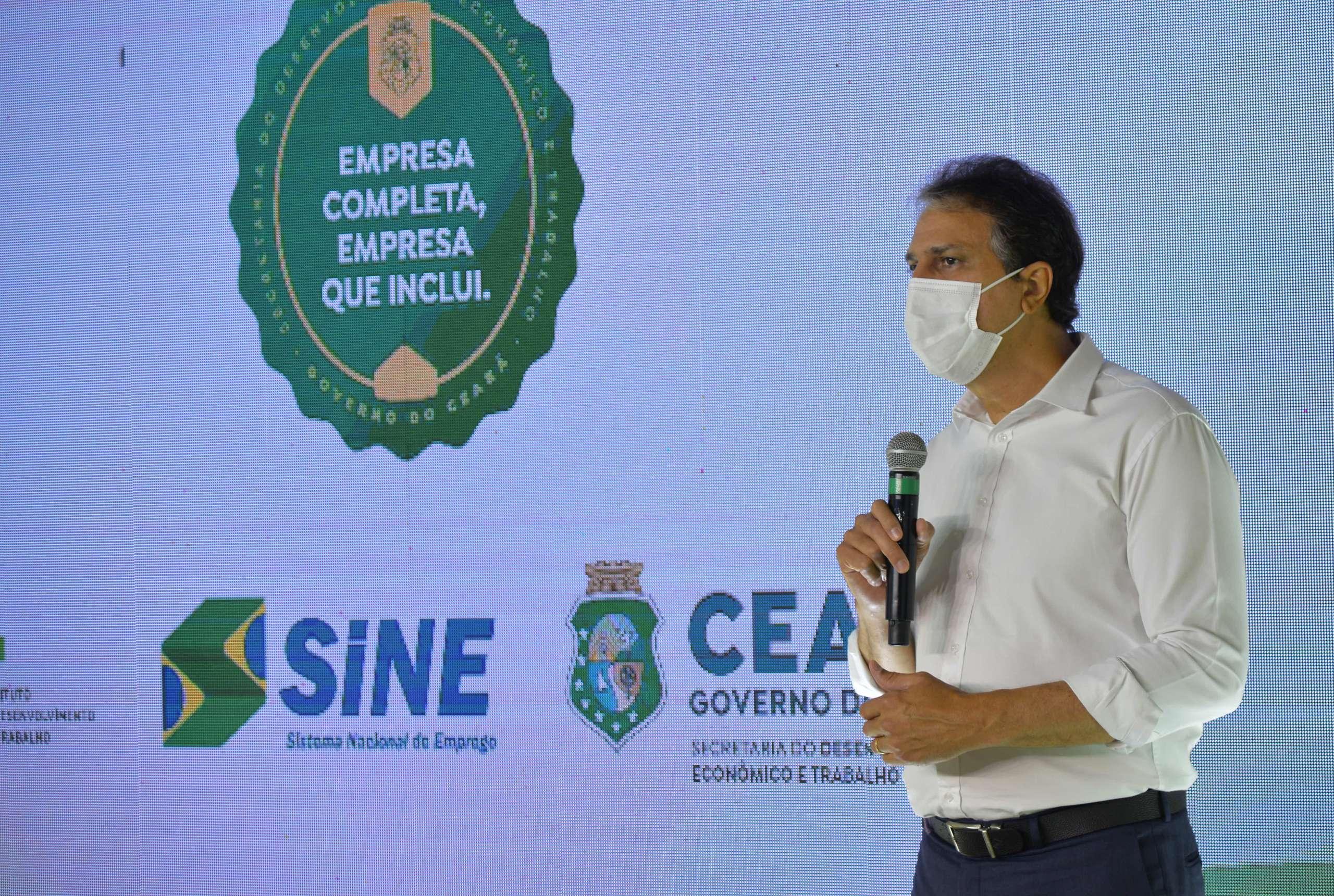 Governo do Ceará entrega certificados a empresas que mais incluíram pessoas com deficiência